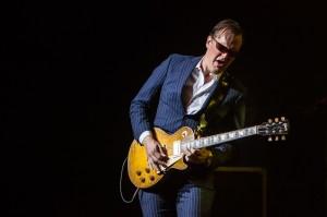 Joe Bonamassa performs at Verizon Theater - Grand Prairie, TX | Copyright 2014 - North Texas Live!